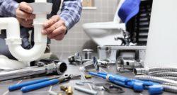 שרברב ומנעולן מומחה נותני השירות ממש מקצועיים עם מלא ידע מקצועי ומומחים לשימוש במצלמה טרמית תוך כדי החלפת צינורות הברזל