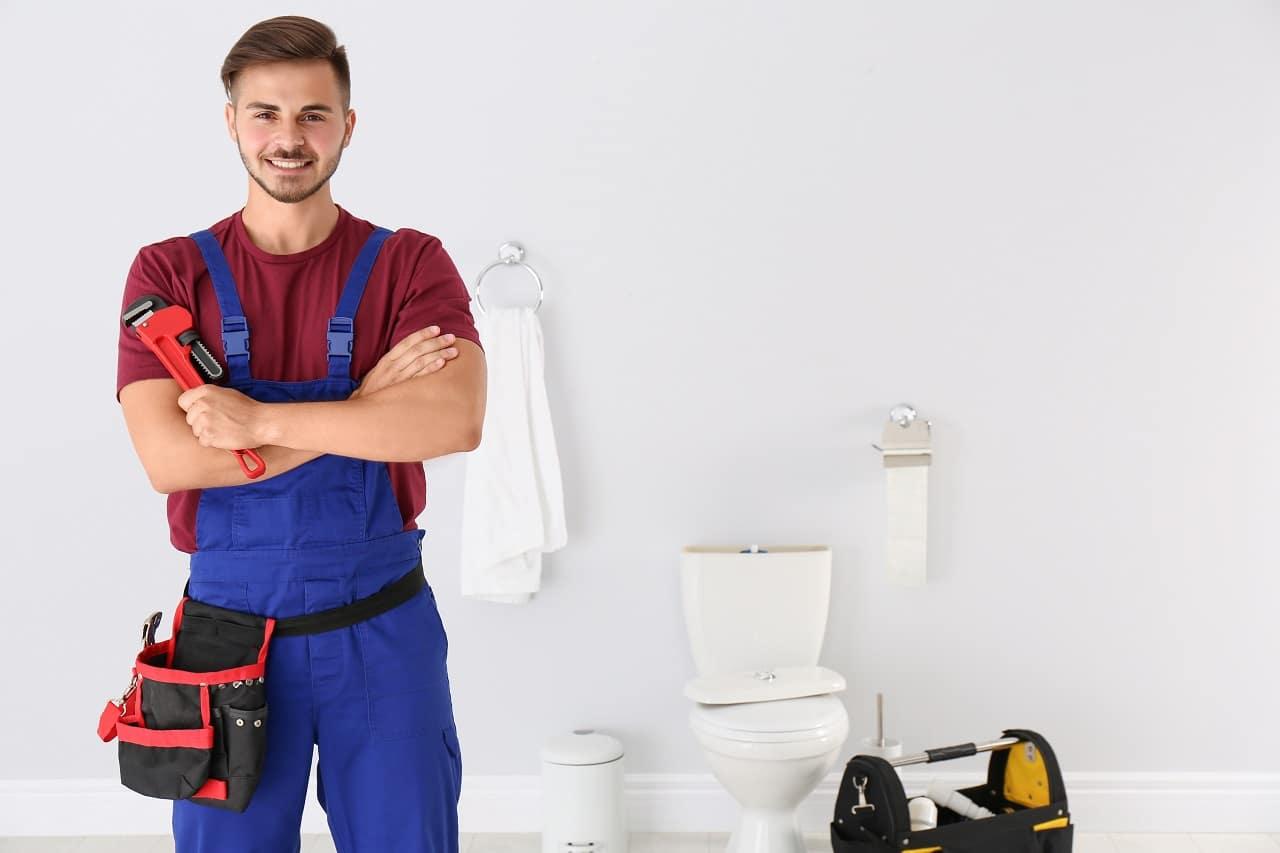 שרברב ומנעולן מומחה נותני שירותי התיקון אשר יודעים לתת שירות טוב עם מתן אחריות לעבודתם שיודעים לאתר נזילות וצנרת רקובה תוך כדי החלפת האסלה בשירותים