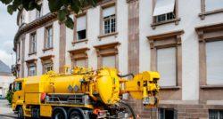 שרברב ומנעולן מומחה אינסטלטורים בעלי ידע ממש מקצועיים עם רצון לתת שירות טוב ומקצועי שיודעים לאתר נזילות מים תוך כדי שיפוץ השירותים והצנרת