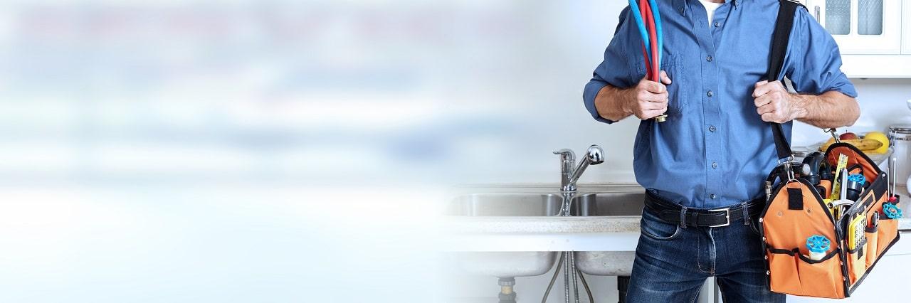 שרברב ומנעולן מומחה מנקי קווי הביוב שמומחים בתחומם עם מקצועיות ומיומנות ועם הרבה מוטיבציה שיודעים להחליף צינורות ביוב תוך כדי החלפת צינורות הברזל