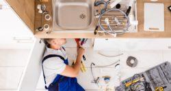שרברב ומנעולן מומחה בעלי המקצוע יודעים לתת שירות מקצועי עם הרבה ניסיון שיודעים להחליף צינורות ביוב תוך כדי איתור הרטיבות בקירות