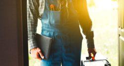 שרברב ומנעולן מומחה פותחי הסתימות בעלי הבחנה מקצועית עם אדיבות ושירות מהיר שיודעים לאתר נזילות וצנרת רקובה תוך כדי החלפת האסלה בשירותים