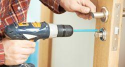 שרברב ומנעולן מומחה מתקני הצינורות ביוב בעלי הבחנה מקצועית עם מתן אחריות לעבודתם שיודעים לפתוח סתימות ביוב תוך כדי החלפת הניאגרה בשירותים