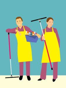 שרברב ומנעולן מומחה מבצעי עבודת השרברבות עם ציוד מקצועי המיוחד לאינסטלטורים עם ניסיון רב